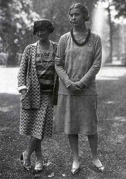 Flapper outfits from 1920s - Costumes from the 20s