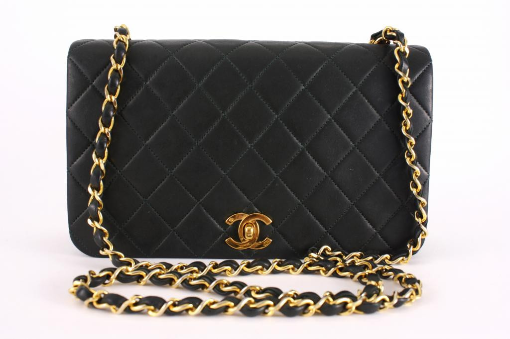 Vintage Chanel bag - classic 2.55 Chanel bag