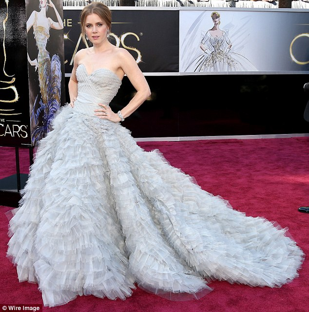 Amy Adams in Oscar de la Renta at the 2013 Academy Awards