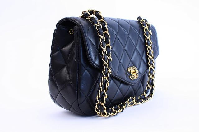 Top 5 Reasons To Buy a Vintage Chanel Bag » Vintage ...
