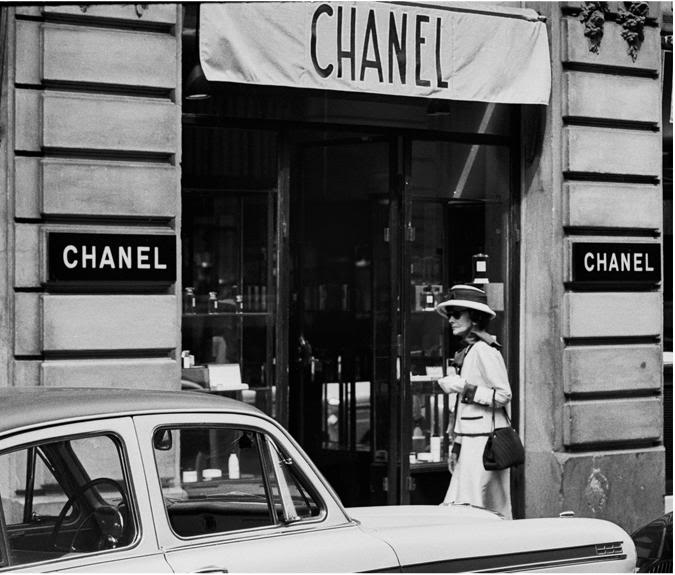 Coco Chanel, 1962.  Image courtesy of purseblog.com.